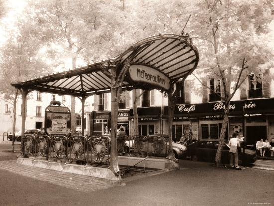 jon-arnold-abbesses-metro-paris-france
