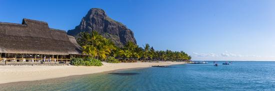jon-arnold-beachcomber-paradis-hotel-le-morne-brabant-peninsula-black-river-riviere-noire-mauritius