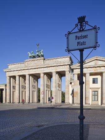 jon-arnold-brandenburg-gate-pariser-platz-berlin-germany