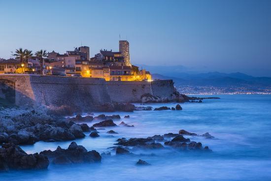 jon-arnold-old-town-and-sea-wall-in-antibes-alpes-maritimes-provence-alpes-cote-d-azur