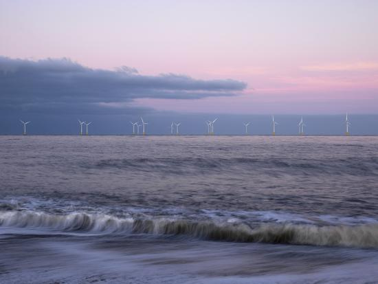 jon-gibbs-twilight-hues-in-the-sky-view-towards-scroby-sands-windfarm-great-yarmouth-norfolk-england