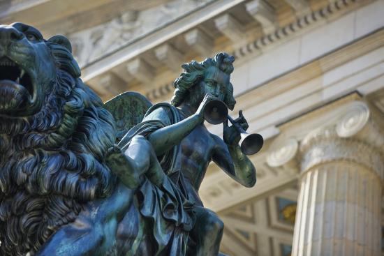 jon-hicks-detail-of-statue-of-a-piper-riding-a-lion-outside-the-konzerthaus