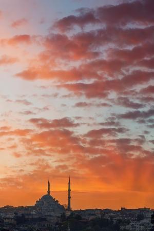 jon-hicks-istanbul-skyline-at-sunset