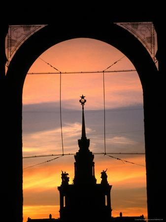 jonathan-smith-central-tower-in-all-russian-exhibition-centre-silhouetted-at-sunset-moscow-russia
