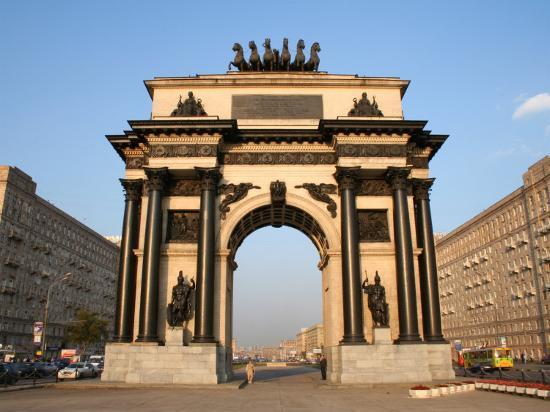 jonathan-smith-triumphal-arch-moscow-russia