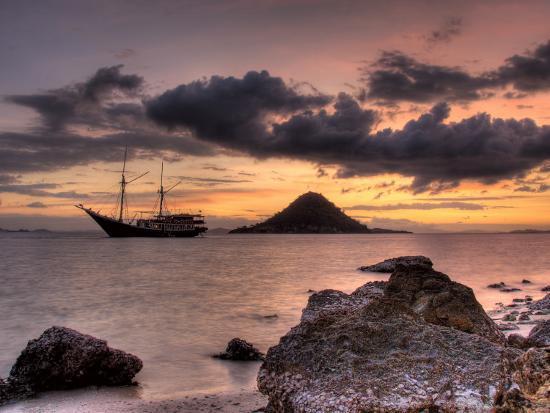 jones-shimlock-sunset-on-anchored-phinisi-schooner-komodo-national-park-indonesia