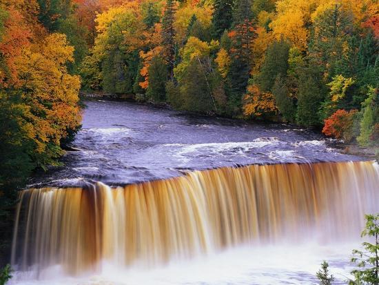 joseph-sohm-tahquamenon-falls-in-autumn