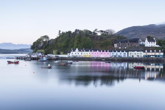 julian-elliott-portree-harbour-on-the-isle-of-skye-inner-hebrides-scotland-united-kingdom-europe
