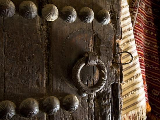 julian-love-door-in-the-old-city-of-fes-morocco