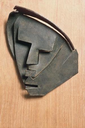 julio-gonzalez-mask-of-outline-of-little-montserrat