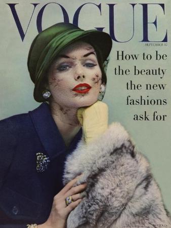 karen-radkai-vogue-cover-september-1956-lace-and-fur