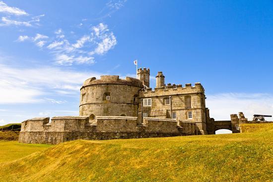 kav-dadfar-pendents-castle-falmouth-cornwall-england-united-kingdom-europe