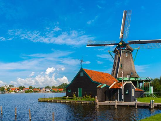 kavalenkava-volha-windmills-in-zaanse-schans-holland-netherlands