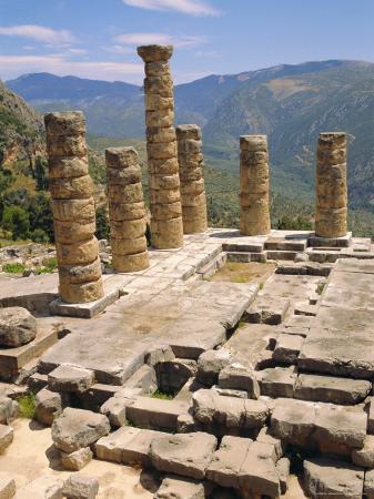 ken-gillham-temple-of-apollo-delphi-greece-europe