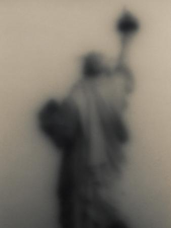 ken-rosenthal-diffused-image-of-the-statue-of-liberty
