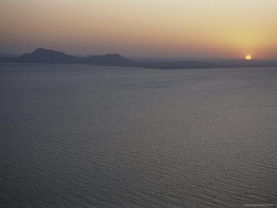 kenneth-garrett-aerial-view-of-sunrise-over-lake-turkana