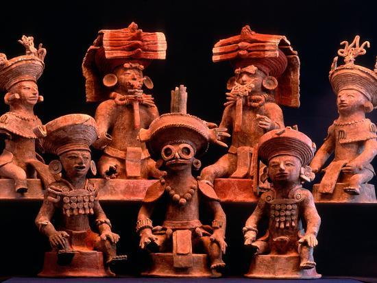kenneth-garrett-offering-vessels-copan-maya-mexico