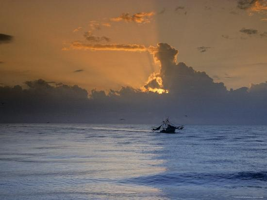 kenneth-garrett-shrimp-boat-in-the-gulf-of-mexico-at-sunset