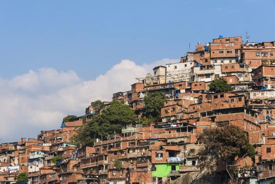 keren-su-barrios-slums-of-caracas-on-the-hillside-caracas-venezuela