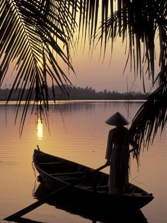 keren-su-evening-view-on-the-mekong-river-mekong-delta-vietnam
