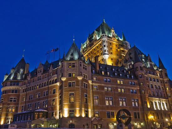 keren-su-night-view-of-chateau-frontenac-hotel-quebec-city-canada