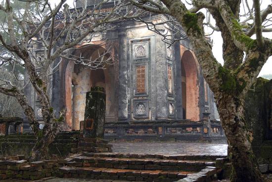 kevin-oke-asia-vietnam-stele-pavilion-tu-ducs-tomb-hue-thua-thien-hue