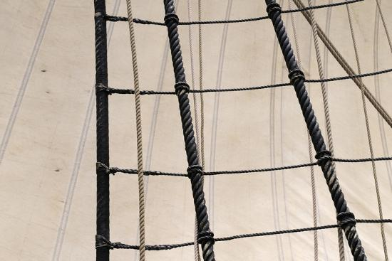 kevin-oke-canada-b-c-victoria-rigging-and-sails-on-the-hms-bounty