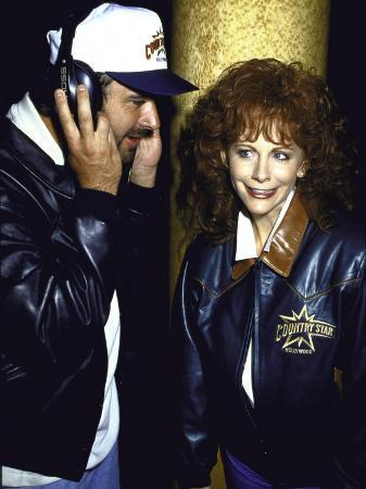 kevin-winter-singers-vince-gill-and-reba-mcentire