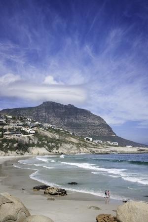 kimberly-walker-llandudno-cove-beach-marked-by-granite-boulders-atlantic-ocean-between-camp-s-bay-and-hout-bay