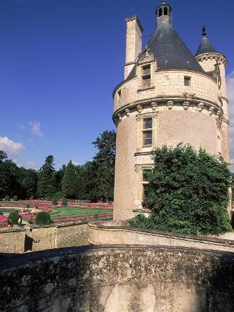 kindra-clineff-chateau-de-chenonceau-loire-valley-france