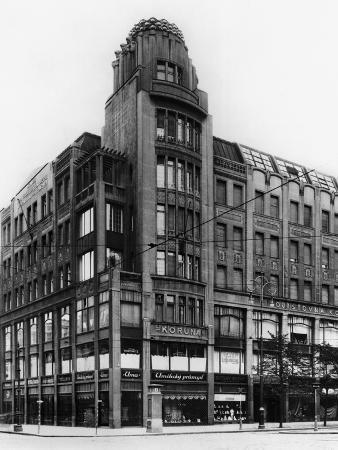 koruna-palace-prague-c-1920