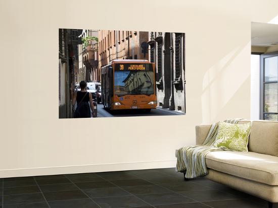 krzysztof-dydynski-city-bus-on-via-marsili