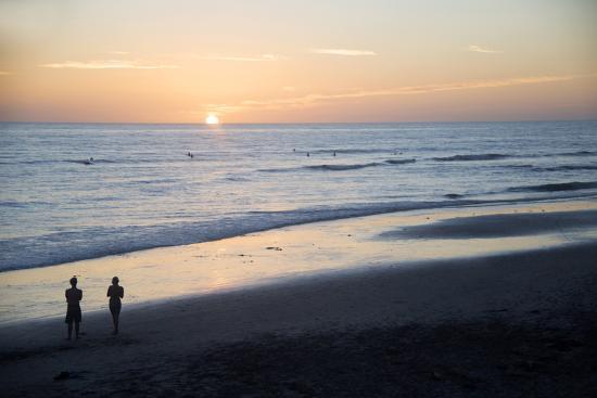 kymri-wilt-usa-california-san-diego-swami-s-beach-at-sunset-cardiff-by-the-sea