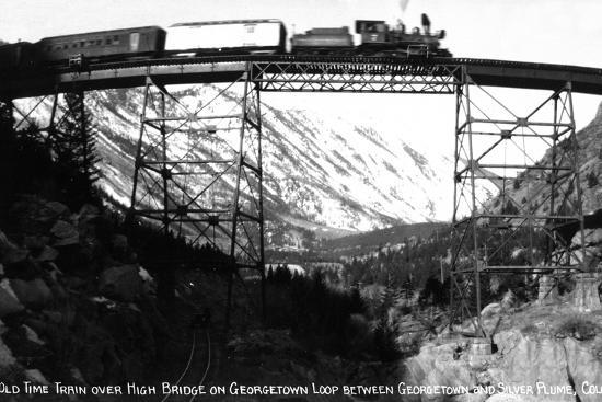 lantern-press-colorado-train-on-georgetown-loop-between-georgetown-and-silver-plume