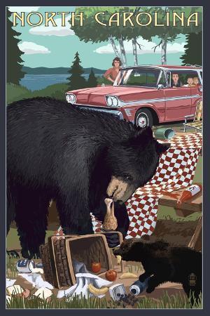 lantern-press-north-carolina-bear-and-picnic-scene