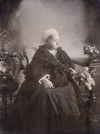 last-photograph-taken-of-queen-victoria-at-balmoral