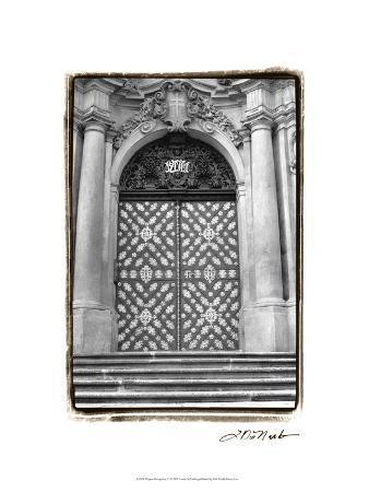 laura-denardo-prague-passageway-v