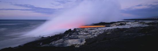 lava-flowing-into-the-ocean-kilauea-hawaii-volcanoes-national-park-hawaii-usa