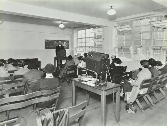 lecture-in-progress-city-literary-institute-london-1939