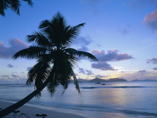 lee-frost-sunset-anse-severe-la-digue-praslin-island-in-the-background-seychelles-indian-ocean-africa