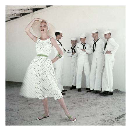 leombruno-bodi-glamour-may-1954