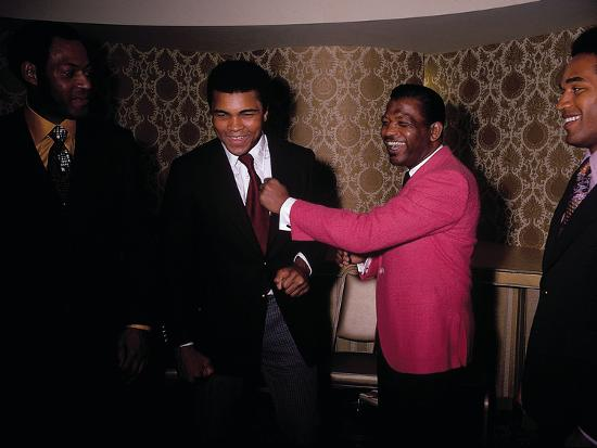 leroy-patton-muhammad-ali-jokes-with-famous-athletes-january-of-1971