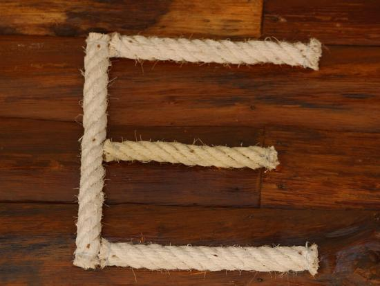 letter-e-rope-on-wood
