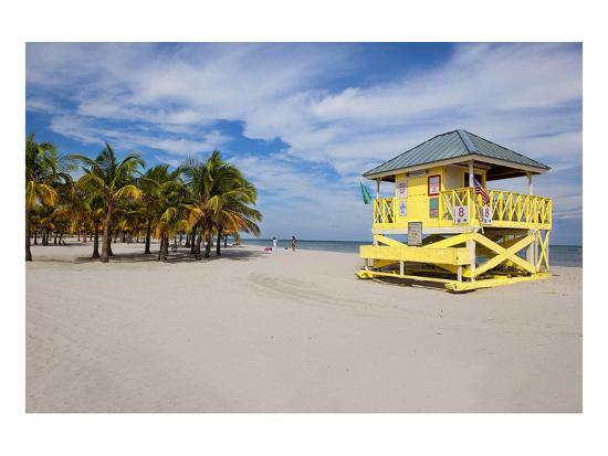 lifeguard-station-on-the-beach-crandon-park-key-biscayne-florida-usa