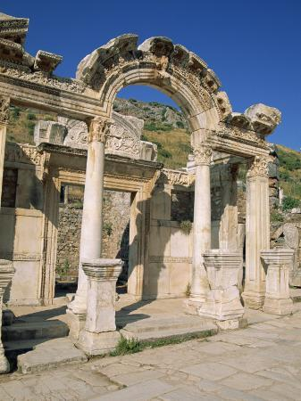 lightfoot-jeremy-columns-of-the-aphrodite-temple-at-the-archaeological-site-of-aphrodisias-anatolia-turkey-minor