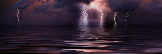 lightning-over-the-sea