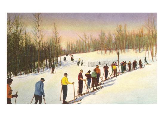 line-of-cross-country-skiers