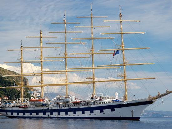 lisa-s-engelbrecht-royal-clipper-in-harbor-dubrovnik-croatia