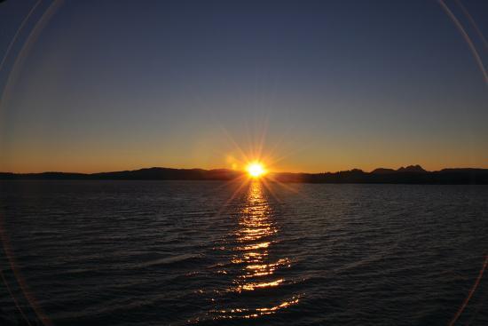 logan-thomas-water-sundown-ii