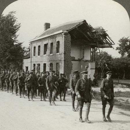 london-territorials-on-the-march-la-bassee-road-northern-france-world-war-i-1914-1918